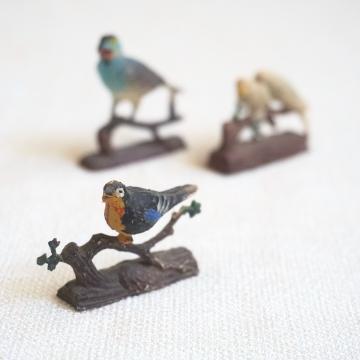 Vintage Miniature Bird on Branch Set 3 Tiny Plastic Birds