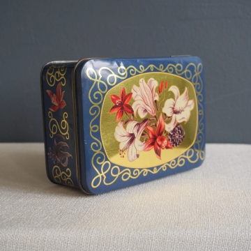 Vintage Floral Lily Blue Hinged Lid Tin Box Container