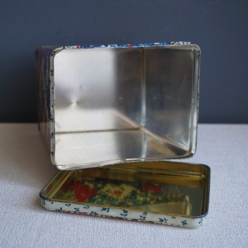 Vintage Patchwork Quilt Print Tin Container with Lid